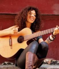 flavia coelho,chanteuse,brésilienne