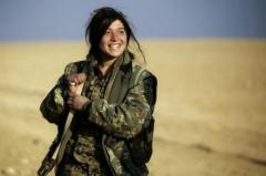 combattante syrie.jpg